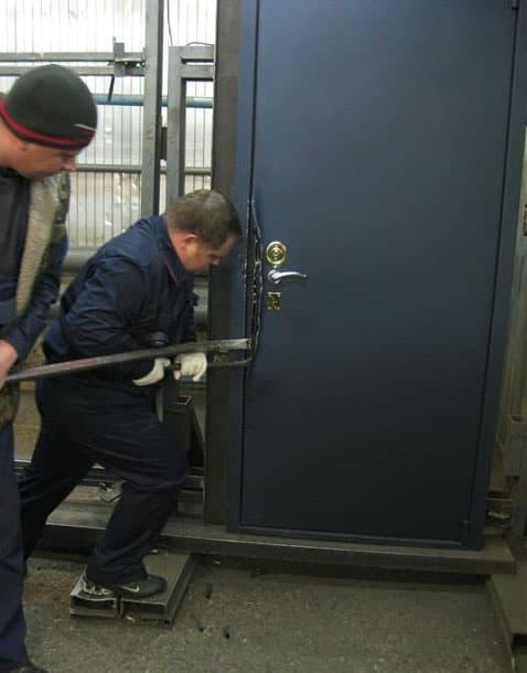 Как выбрать входную дверь для защиты не только от взлома