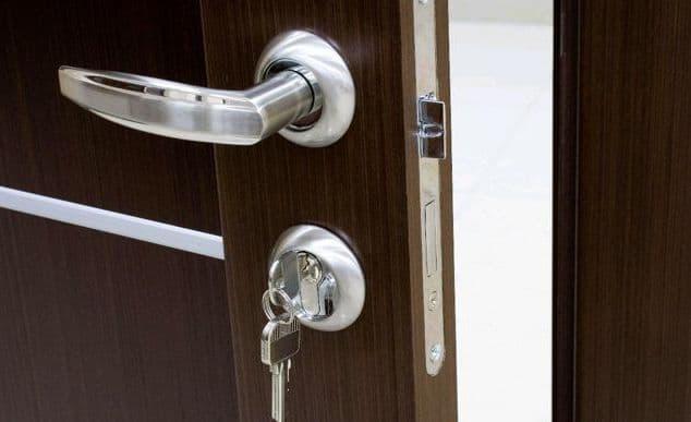 Как и когда устанавливать замки для межкомнатных дверей