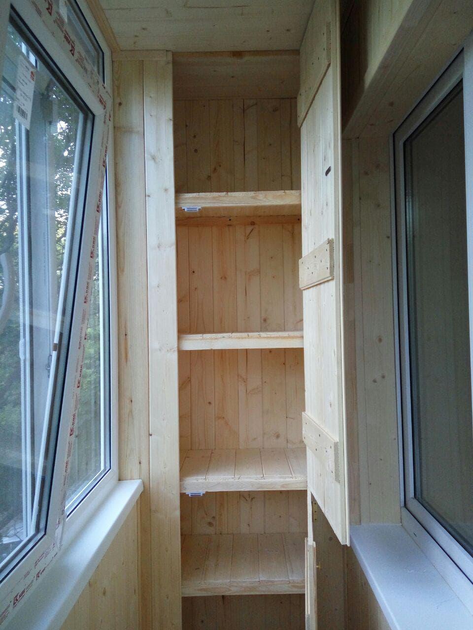 Обшивка и отделка балкона в Казани-- цены на обшивка балкона вагонкой под ключ.